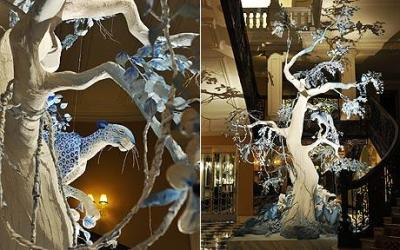 More pics of the Dior Christmas Tree by John Galliano and a close up of the leopard perching on the tree in the lobby of Claridge's hotel. To see the illustration of the tree, click here.
