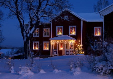 fuckyeahchristmas:  babsis:  Beautiful Swedish winter.