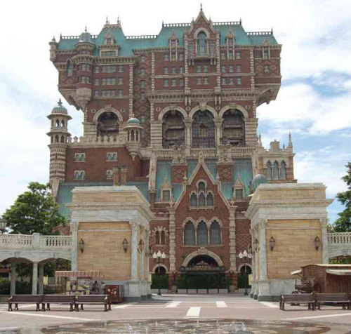 the tower of terror ride at disneyland Tokyo is insane…. this building is totally bananas..