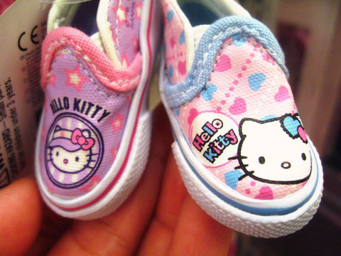 Hello Kitty Baby Shoes  Submitted by majix
