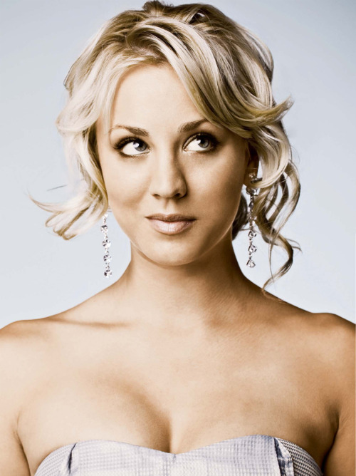 kateangel:  Kaley Cuoco, from The big bang theory. <333