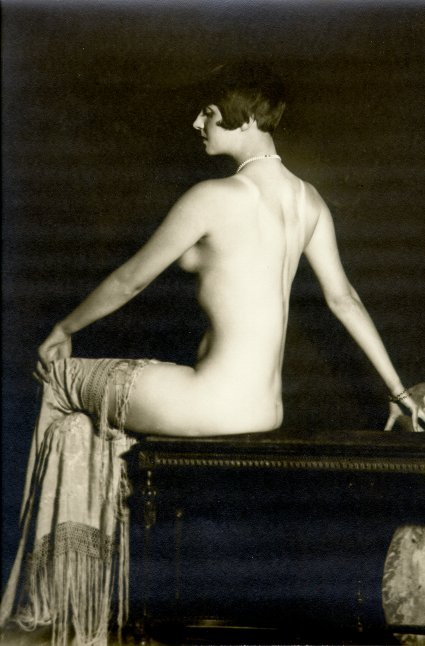 billyjane:  Louise Brooks [as a Ziegfeld girl by ACJ,c.1925]