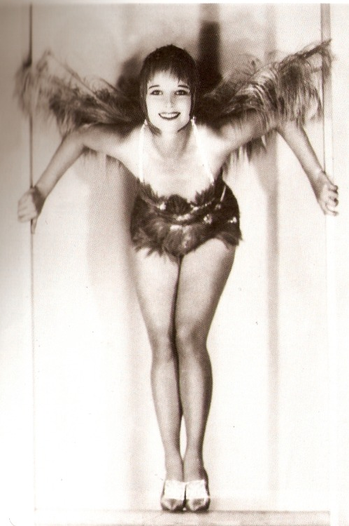 billyjane:  and one more Louise Brooks via vitamininmotion