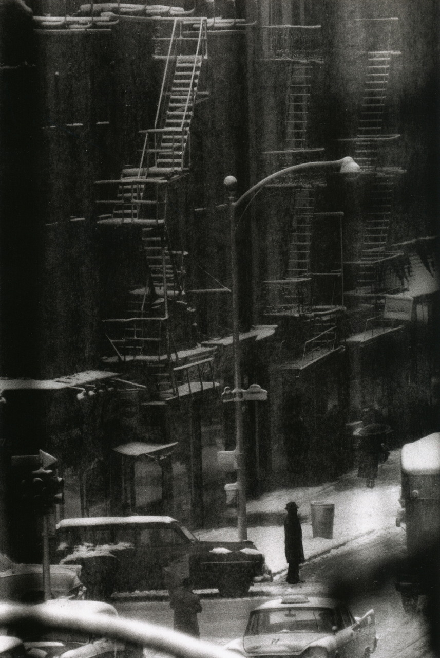 liquidnight:  W. Eugene Smith Untitled [snow-covered fire escape with street traffic] New York City, 1957-58 From W. Eugene Smith Photographs 1934-1975  (via liquidnight)