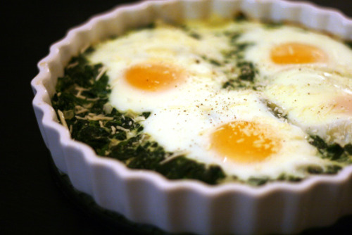 easyfastcheapcooking:  Baked Eggs with Spinach