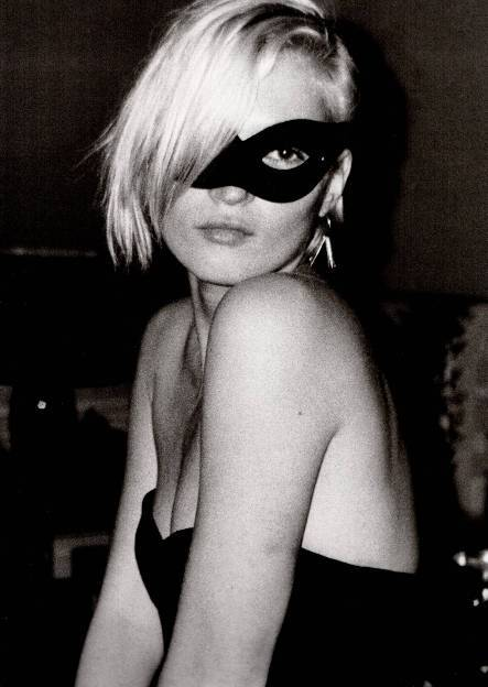 Kate Moss? black and white, form, shoulders, mask // english-rose