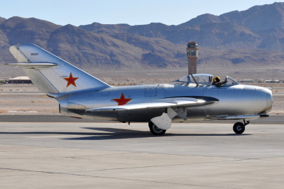 dannnao:  carandache:  nemoi:  Mikoyan-Gurevich MiG-15 (NATO Reporting Name: Fagot) - N87CN - Aviation Nation 2009 - Nellis Air Force Base - November 14, 2009 1 1571 RT CRP (via TVL1970)