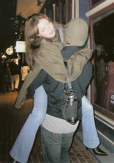 Jared carrying drunk/sleepy Sandy
