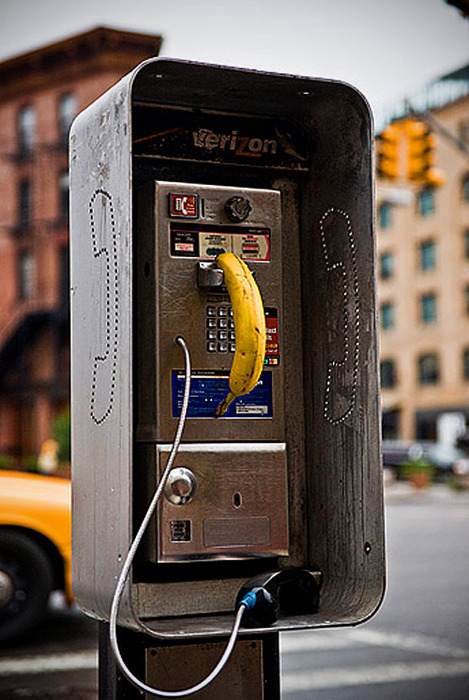 peopletalkingonbananas:  This phone has been tapped.