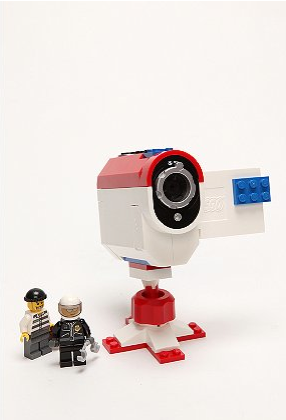 nickmcglynn:  Lego Stop Action Video Camera (via lisadaly)