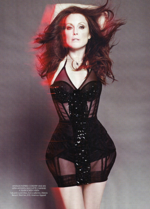 lottiebites:  Harper's Bazaar UK | Julianne Moore by Paola Kudacki