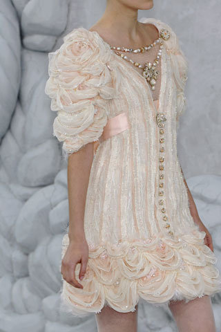 peacelovechanel:  thestrawberryblonde:  Chanel dress.