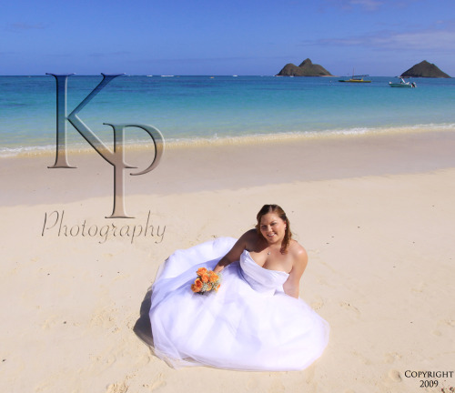 Trash the dress session at Lanikai Beach. January, 2010.