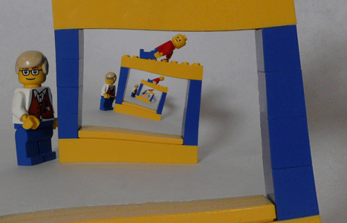 Trippy LEGO. The Droste Effect (via unclefarkus)