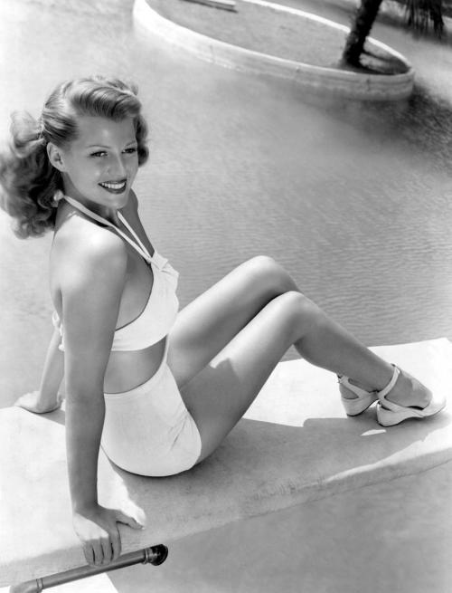 silvercinema:  Rita Hayworth (via brulard)
