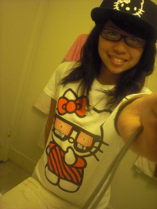 HELLO KITTY HAT & SHIRT (AGAIN)  Submitted by wsuupjaam