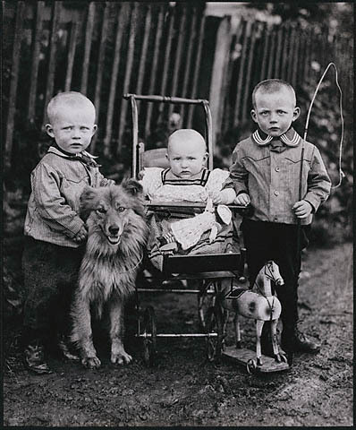 Children, 1920 (via VintagePhoto)
