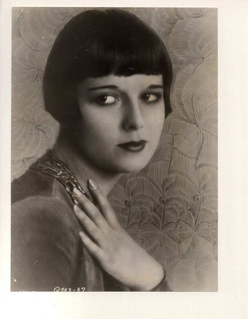 billyjane:  Louise Brooks via adski_kafeteri