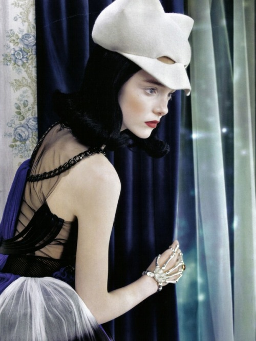 Neo-Romantic; Vogue Italia, June 2009