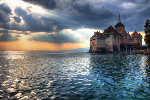 astrangedevice:  downa:  Château de Chillon, Switzerland  I WANTJDSKJFAS;FKJASFKLASJF
