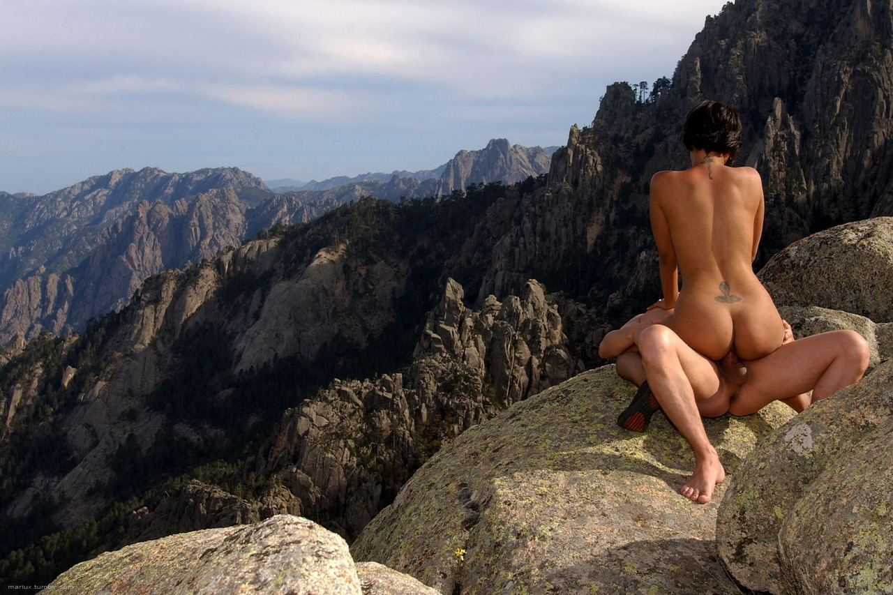 deviltica:  This is a great erotic photo. Sex on top of a mountain - fantastic.(via mariux)
