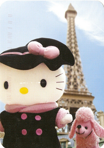hello-kitty:  Hello Kitty in Paris!   Submitted by alyssaanne