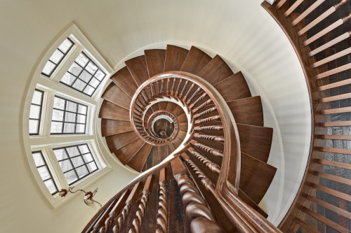 tobeathome:  architectureblog:  ronniebruce:  Three Story Staircase | flickr