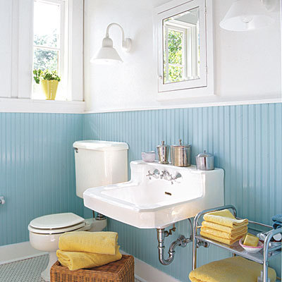 loving this simple bathroom from southern living. (via: southernliving)