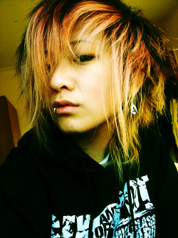 Annie Zeng, hairdye freak.