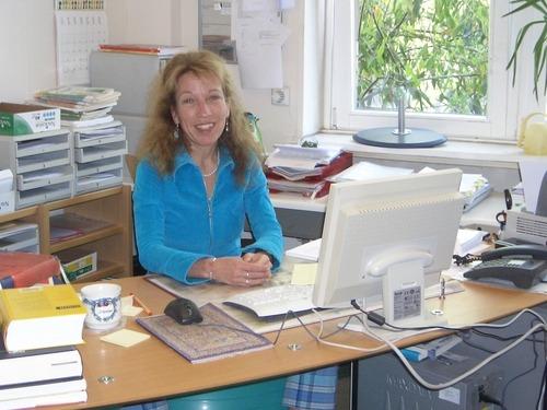 Martina Steinkühler: Ich arbeite als Lektorin bei Vandenhoeck & Ruprecht und seit ich vierzehn bin, bin ich Autorin