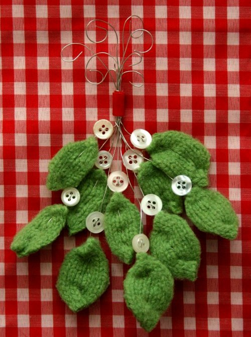 A Foothill Home Companion: Felted Wool Mistletoe