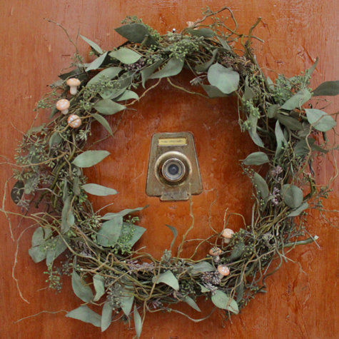 spring wreath (via Design*Sponge)