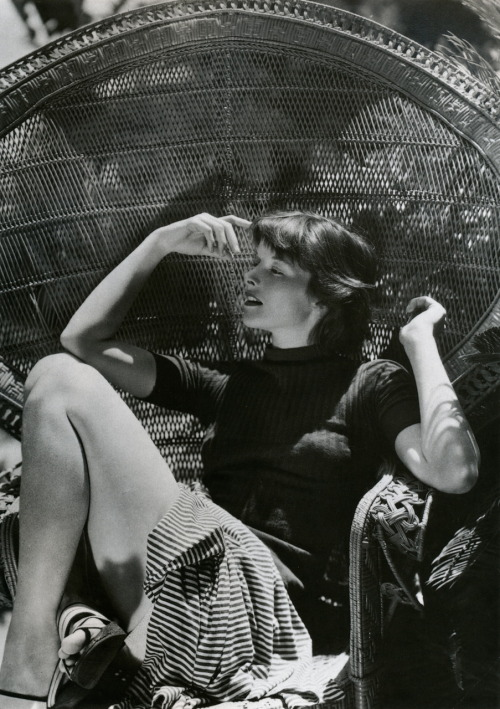 liquidnight:George Hoyningen-Huene - Katharine Hepburn, 1934  From The Photographic Art of Hoyningen-Huene by William A. Ewing