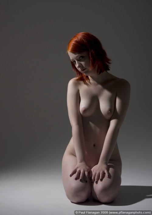 Redhead. Whiteskin. Blacknails. (via sexual)