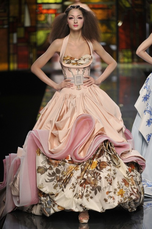 lovetowear:  Poufy layered gown in satin pink and vintage floral patterns with billowing ruffled skirts.  Christian Dior Spring 2009 Haute Couture | Fashion Gone Rogue