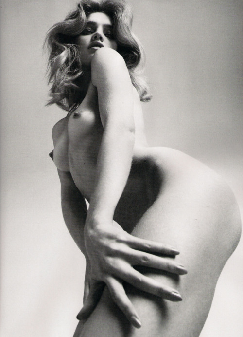 Natalia  Vodianova by Mert  Alas and Marcus Piggott LOVE  Magazine #3 2010