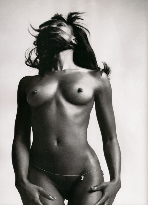 Naomi Campbell by Mert   Alas and Marcus Piggott LOVE   Magazine #3 2010