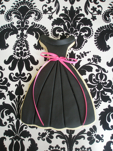hihievet:  - Little Black Dress Cookie