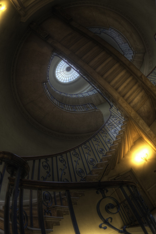 proofmathisbeautiful:  constantflux:  Nelson Stair (via Alt_Gr) cherith! try doing something like this..wow..