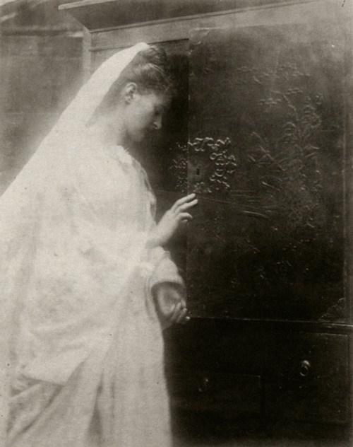 Enid, albumen print, ca. 1874 Julia Margaret Cameron From Julia Margaret Cameron's Women(via skeletonsdance, my-ear-trumpet, chateauxdanslair, moonlitcorner, &   liquidnight)