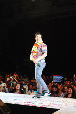David Archuleta when he came to the Philippines. :)