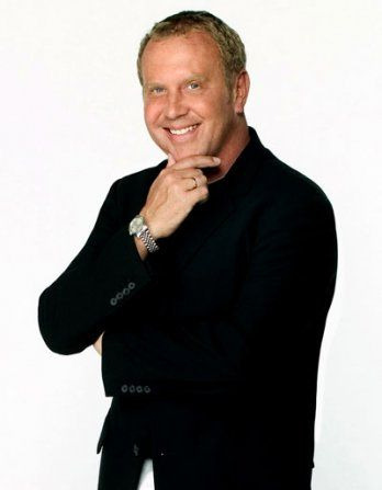 It's only been a day since I found out I have an interview with MICHAEL KORS!!!!! As thrilling as this is, I'm freaking out. I mean, this is big. It's bigger than big. This could define my entire future. I need to stop thinking like that. I have so much to do and no time to do it in. I gotta buckle down and do some hard-core preparing for this. Ahhh!