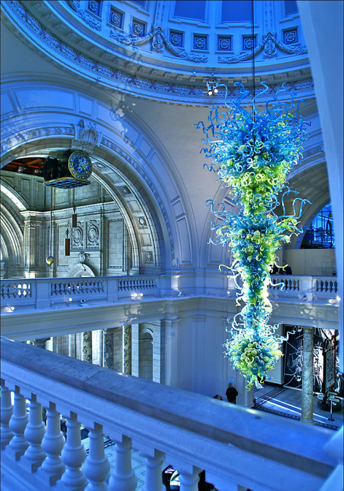 Glass Sculpture - Victoria & Albert Museum - London (via nick.garrod)