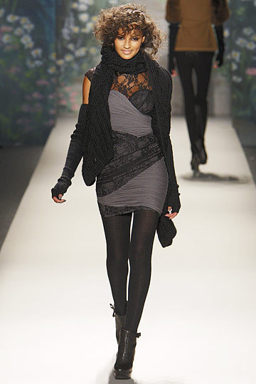 Gracie Carvalho at Tracy Reese F2010