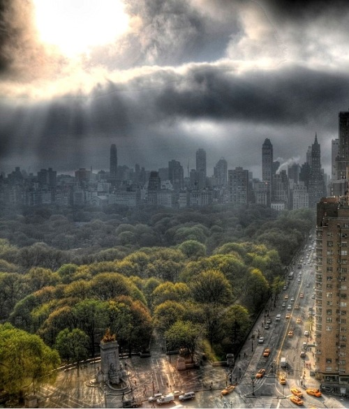 elysium-mine:  dreamsicleday:thebookofsecrets:Columbus Circle - NY