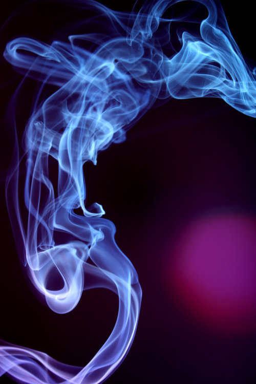 Unmanipulated smoke photography by Mary Nguyen.Submitted by heydollface.
