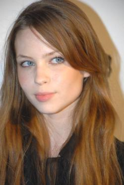 I saw Daveigh Chase today in the dry goods section at Whole Foods. She was walking from the meat section toward produce. I recognized her but couldn't place her. I didn't get a look at her basket. I know her as an illegal and styled as such: 'Sparkle Motion' dancer/little sister to Donnie Darko, Chloe Sevigny's daughter on Big Love, that undead girl in The Ring. In person she looks very legal. Research shows she is legal. My conclusions: I know she's got good priorities. (Meat-before-produce is a cool attitude.) I know she's cute. I know she once said the word 'fuckass' on film.