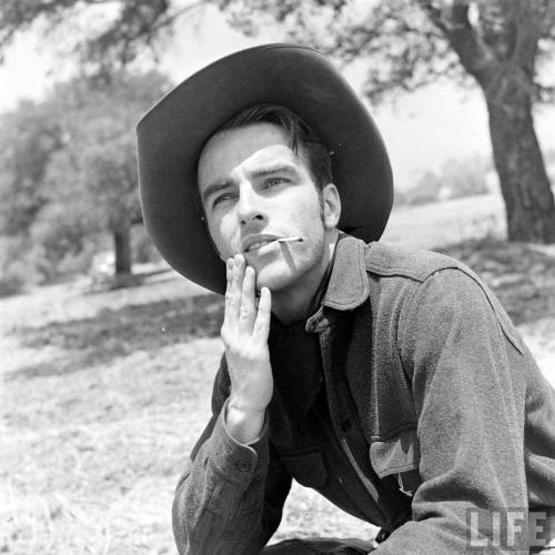 Montgomery Clift(via jimmypage)