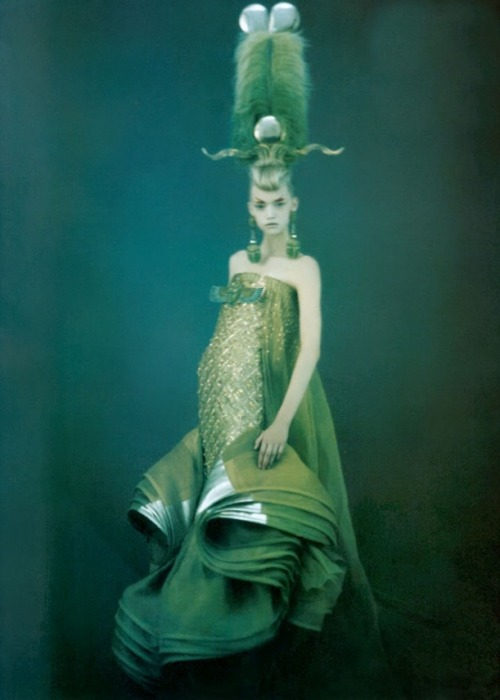 Paolo Roversi / Vogue Italy March 2004.