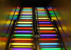 Rainbow Stairs (via ..Peter)